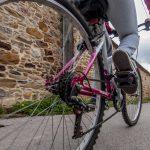 手軽で便利な自転車ですが思わぬリスクにご注意を!自転車を降りたらあなたも歩行者!