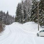 移住後に初めての雪道を安全に運転するポイントと注意点